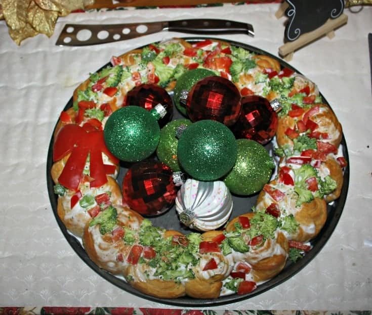 Holiday Croissant wreath with red peppers and broccoli