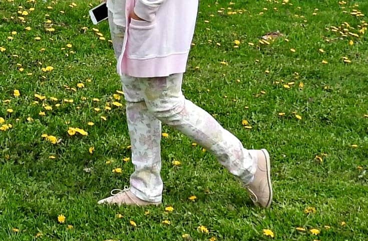 PInk floral denims and a study in pink with shoe dazzle blush oxfords and a pink cardi