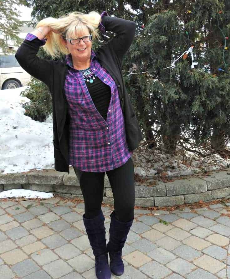 leggings, flannel and cardigan for travel outfits