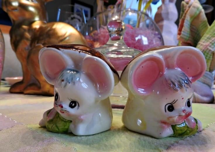Easter Mice salt and pepper shakers