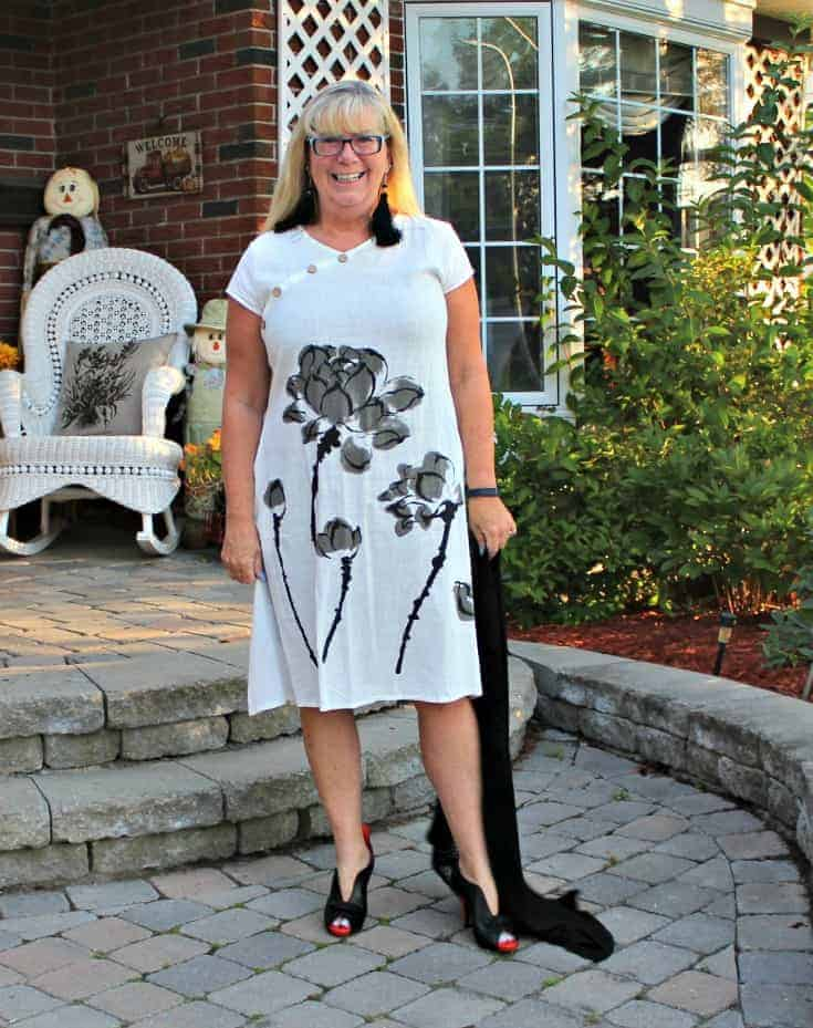 white linen dress in the fall plus custom made shoes from Ruby Blues Winery 5