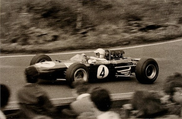 BrabhamJack19650801Südkehre-spurzem