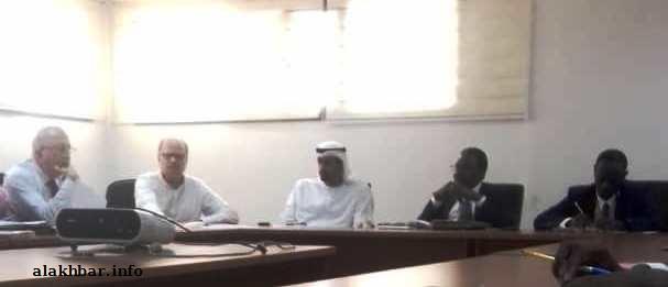 مسؤولون موريتانيون مع وفد الشركة الإماراتية خلال ترتيبات استلام المنفذ الجوي الدولي الوحيد لموريتانيا