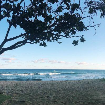 Photo of the beach - shoreline  of Honolulu, Hawaii