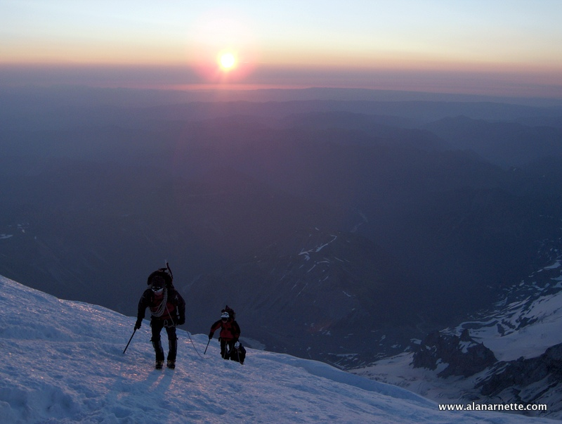 Sunrise on the Dissapointment Cleaver Route