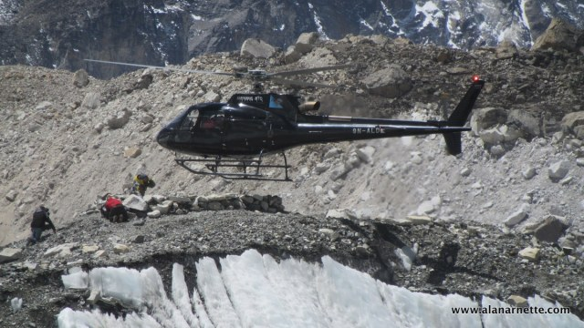 Helicopter Everest 2016