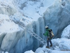 Kami at ladder in Everest 2016 Icefall