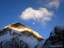 Sunset and moonrise over Everest West ShoulderSunset and moonrise over Everest West Shoulder