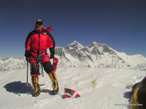 Alan on the summit of Ama Dablam October 26, 2000