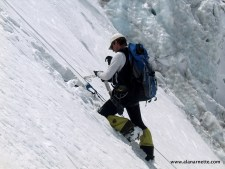 Fixing the route on Everest