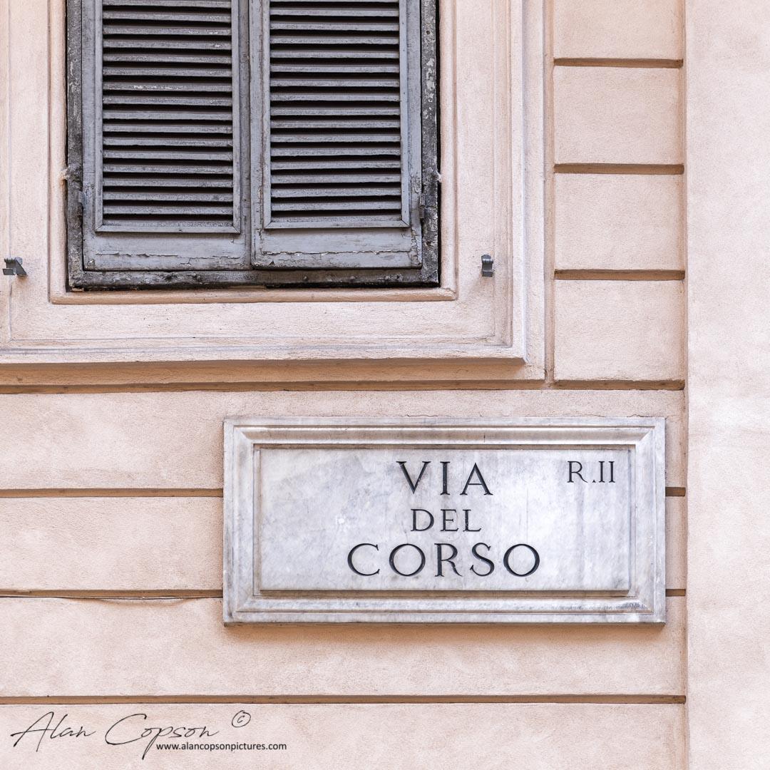 Italy, Lazio, Rome, Pigna, Via del Corso sign