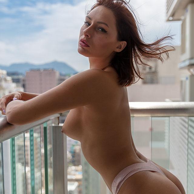 Nude art – Malina