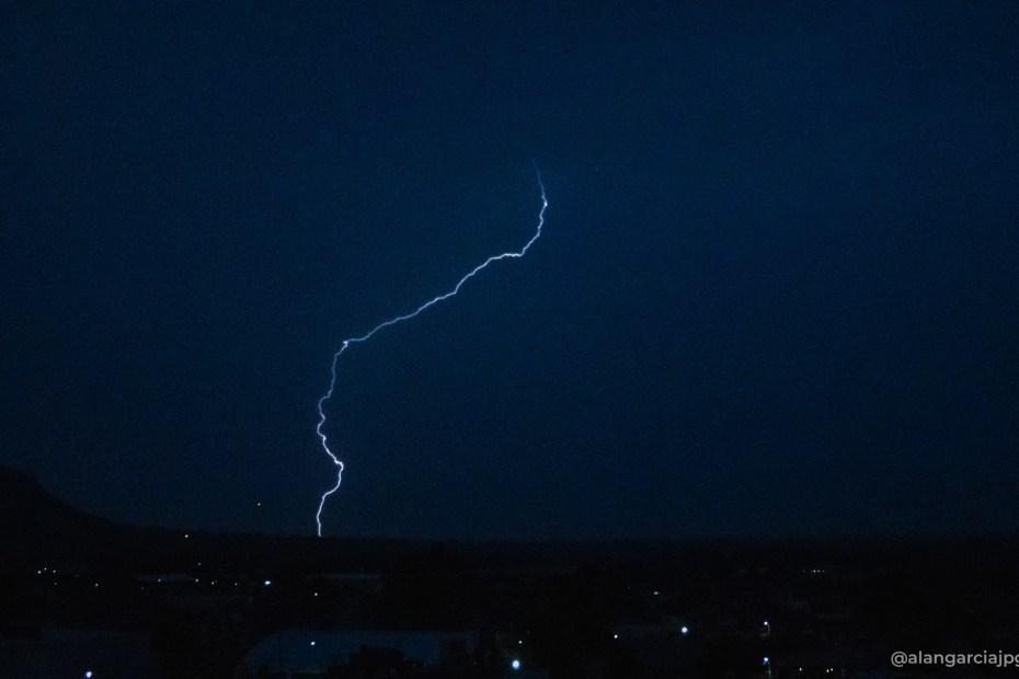 Bellos rayos de tormenta en Apan, Hidalgo