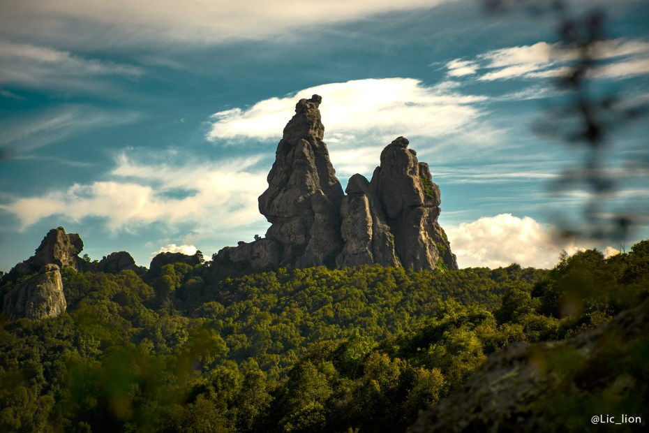 Los Frailes, grandes formaciones de piedra en lo alto de San Jerónimo.