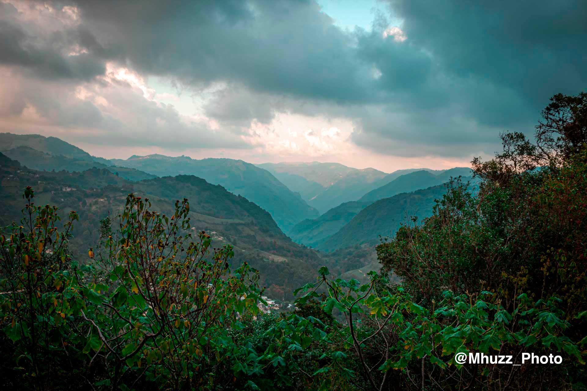 Vista desde lo alto de un camino hacia Macanguí, La Misión.
