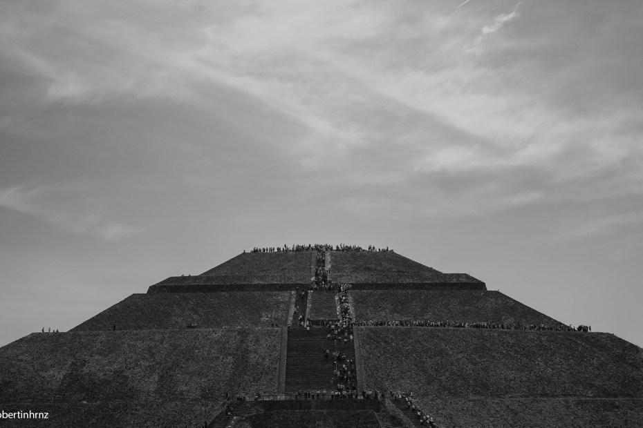 Pirámide del Sol en Teotihuacán, ciudad de los dioses