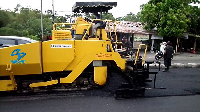 Sewa Excavator Supiori | Rental Asphalt Finisher Sewa Asphalt Finisher Murah