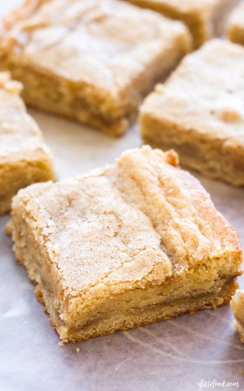 how to make cinnamon roll blondies