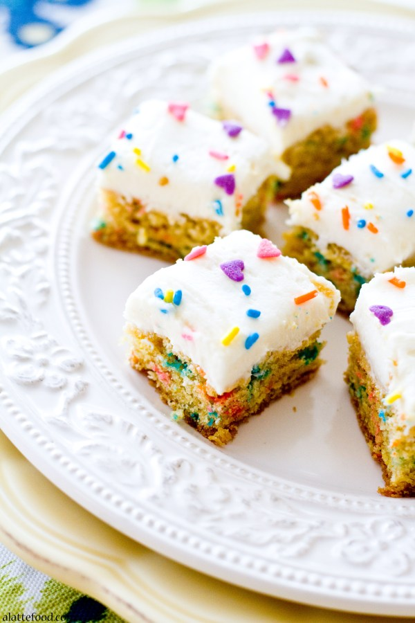 Funfetti Blondie Bites | A Latte Food