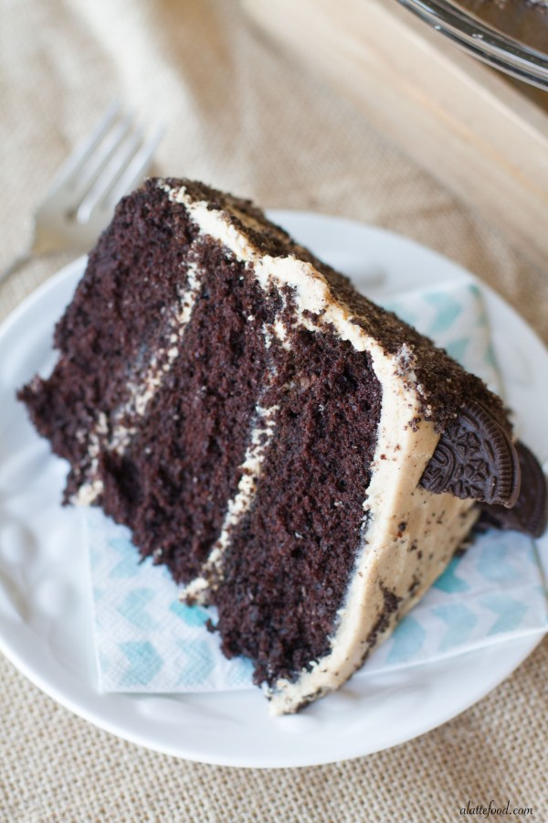 Chocolate Peanut Butter Oreo Cake | A Latte Food