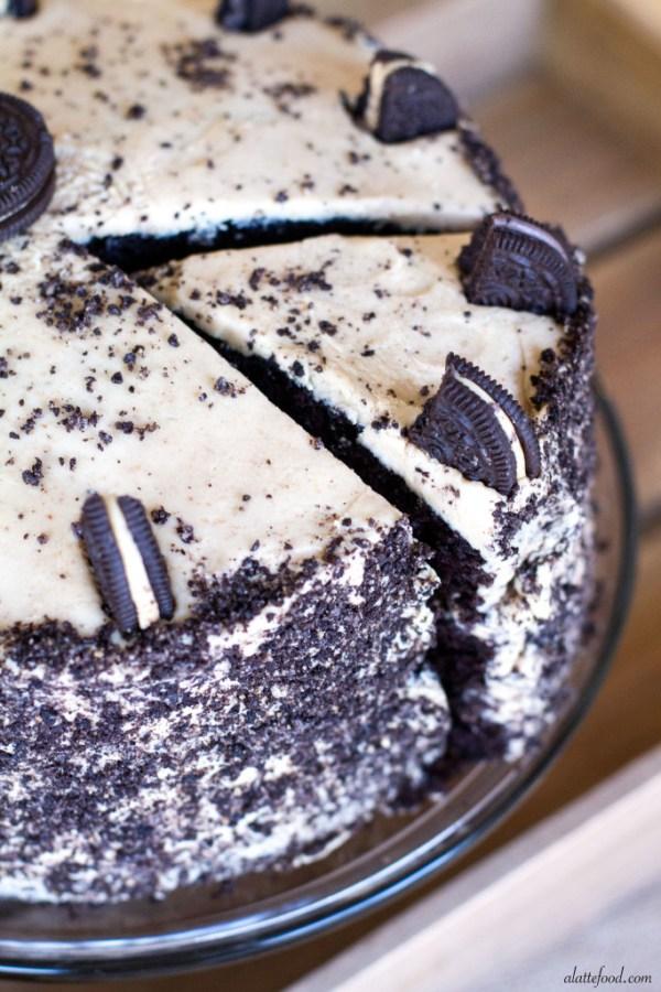 Chocolate Peanut Butter Oreo Cake | A Latte Food