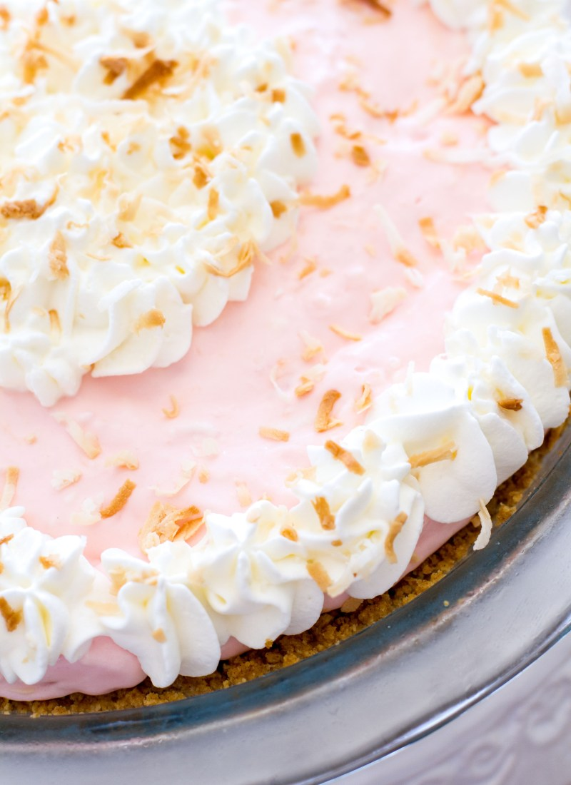 {No-Bake} Tropical Cream Pie