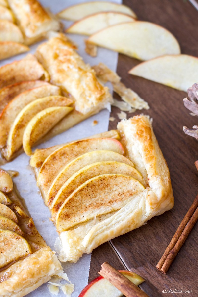 This easy apple tart recipe is made with only 5-ingredients! It's breakfast, dessert, and a snack all rolled into one recipe. I KNOW. www.alattefood.com