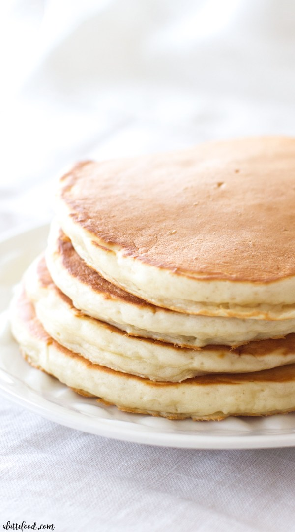 This Greek Yogurt Honey Almond Pancake recipe is so simple! These fluffy homemade pancakes are packed with protein and are free from refined sugar! This is a breakfast you won't feel guilty about!