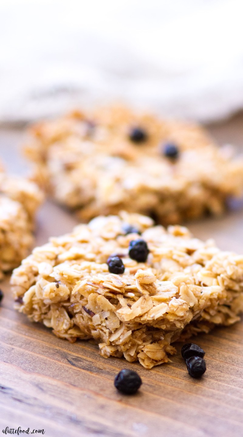 These Berry Vanilla Granola Bars are refined sugar-free, gluten-free, and made with coconut oil. Homemade granola bars are so simple to make, and they make a perfect breakfast bar or snack! homemade granola bars, chewy granola bars, oat bars