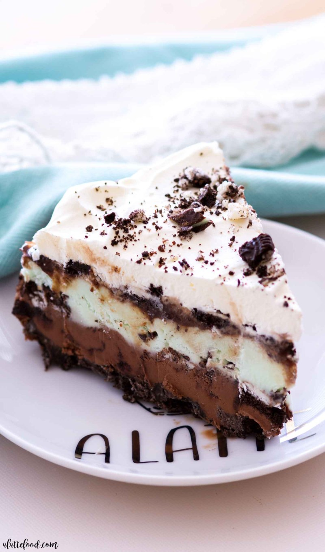 mint chocolate ice cream pie slice