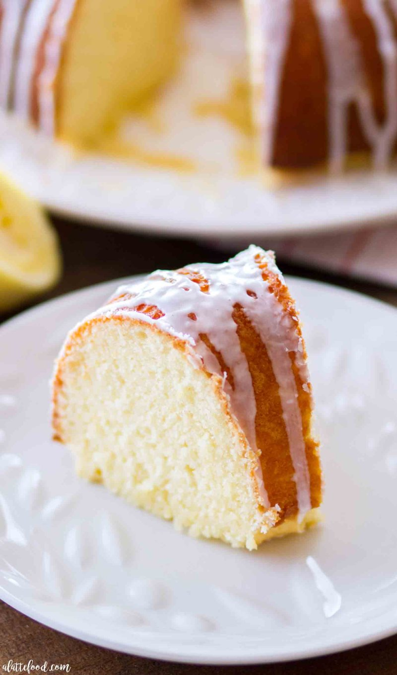 The best easy lemon bundt recipe made with fresh lemons