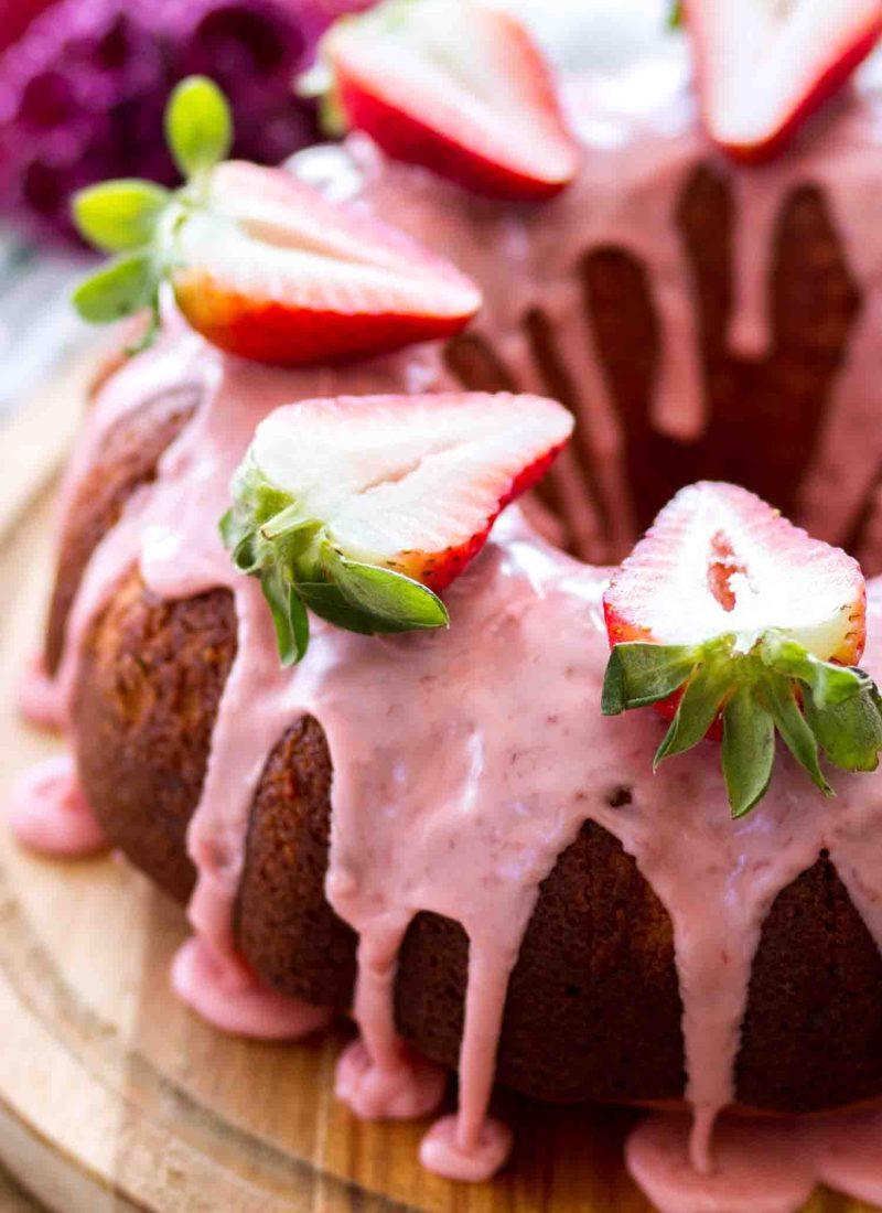 Homemade Strawberry Bundt Cake Recipe