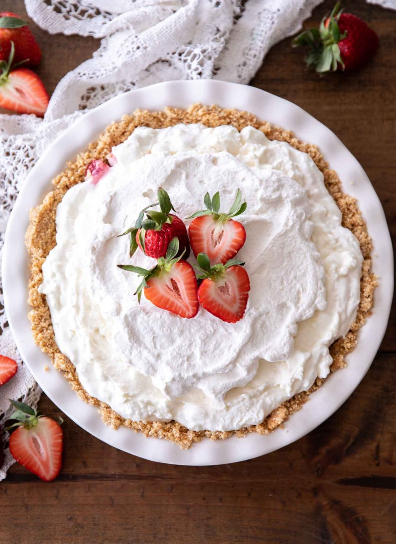 No Bake Strawberry Marshmallow Pie