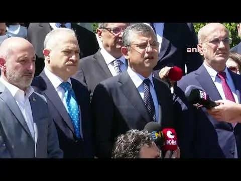 CHP Grup Başkanvekili Özgür Özel, CHP Milletvekilleri ile birlikte TBMM 15 Temmuz Şehitler Anıtı'nda