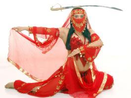 hindistan kilic dansi