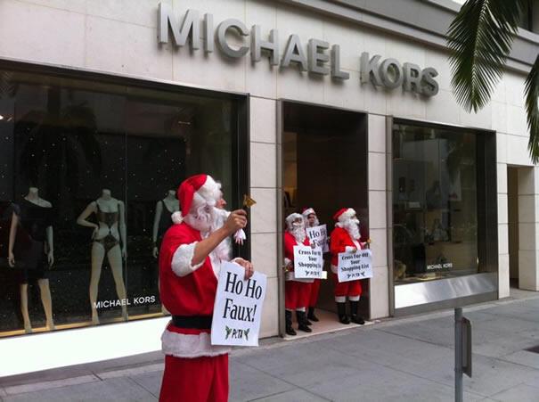 Beverly Hills'de Kürk Satışına Noel Babalı Protesto