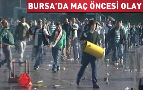 Bursaspor-Beşiktaş maçı karşılaşması öncesi çıkan olaylar nedeniyle iptal edildi
