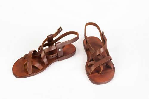 Bodrum Sandaletleri Hüsna Bülbüloğlu ile yeniden hayat buluyor