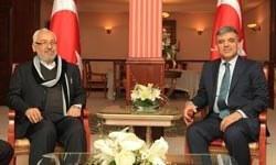 Abdullah Gül Tunus'ta öğrencilerle buluştu