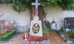 Hitler ailesinin mezar taşları sökülecek