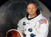 Ay'a ilk ayak basan astronot Neil Armstrong öldü