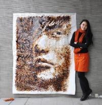 Kahveyle sanat eserleri yapıyor