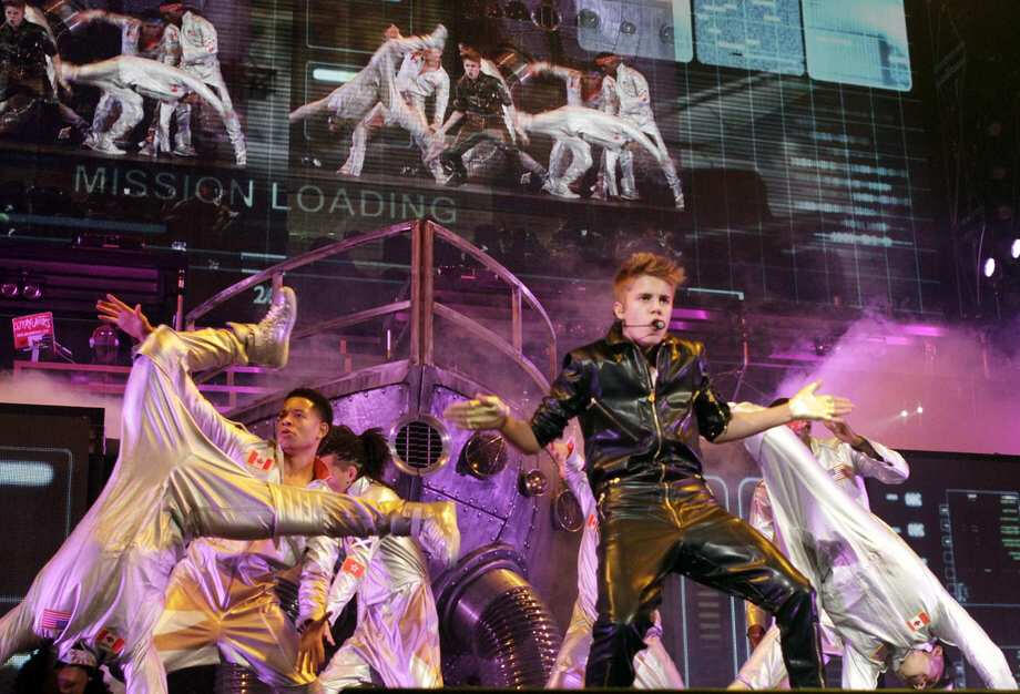 Justin Bieber Los Angeles Staples Center