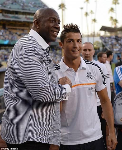 Ronaldo, Los Angeles'ı renklendirdi