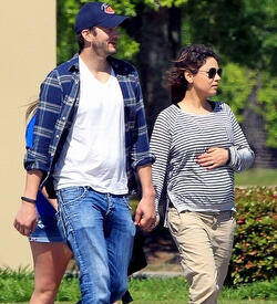 Ashton Kutcher baba oldu