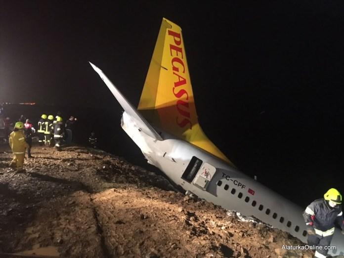 Pegasus Airplane Skids off runway in Trabzon (16)