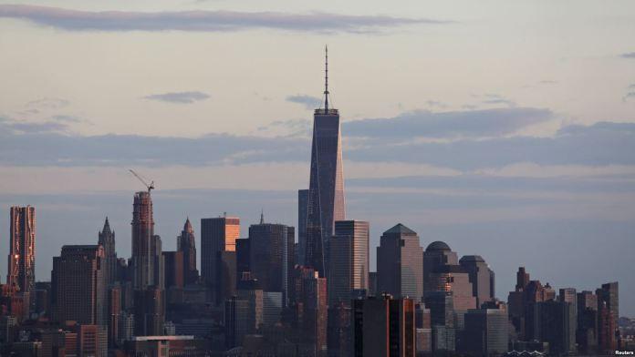 New York'ta Helikopter Düştü