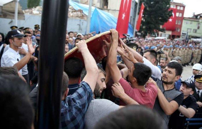 Sehit Cenazesi CHP Celengi Sokuld