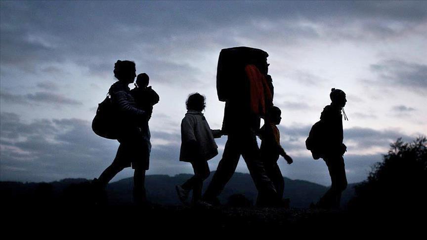 US reunites most migrant children as deadline nears