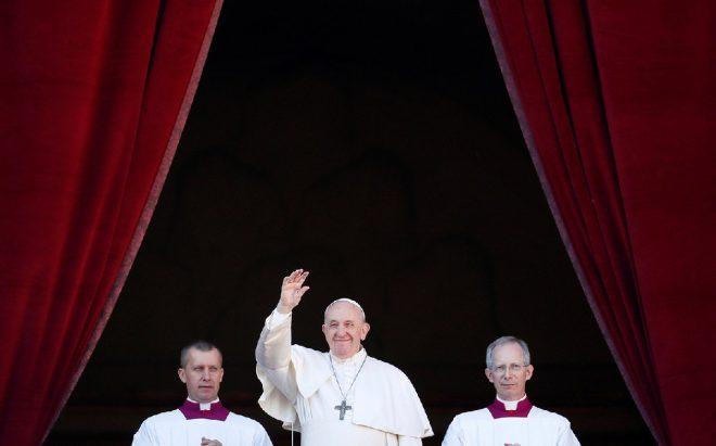 Papa'dan dikkat çeken Noel mesajı: Çöller denizler mezarlığa döndü!